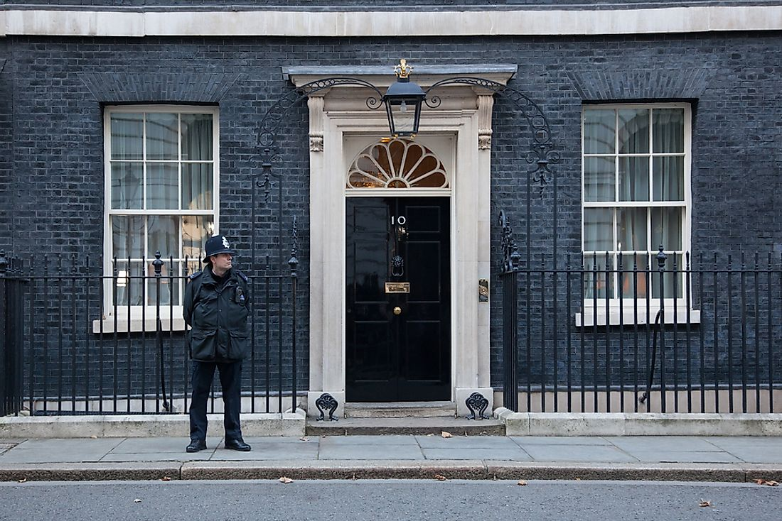 Police officer on duty outside 10 Downing Street. Editorial credit: dominika zarzycka / Shutterstock.com