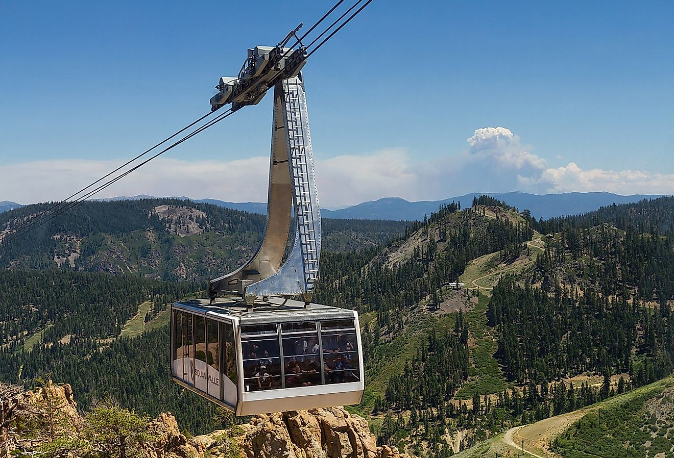 Gondola on its way to the 1960 Winter Olympics High Camp in Squaw Valley, High Sierra. Image credit: © Frank Schulenburg
