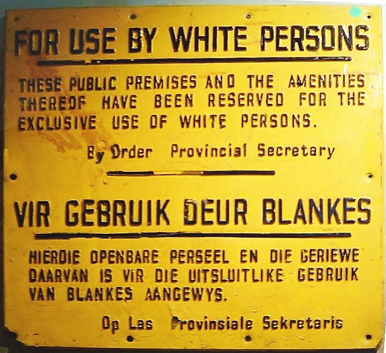 Sign from the Apartheid era in South Africa: Image credit: Dewet/Public domain