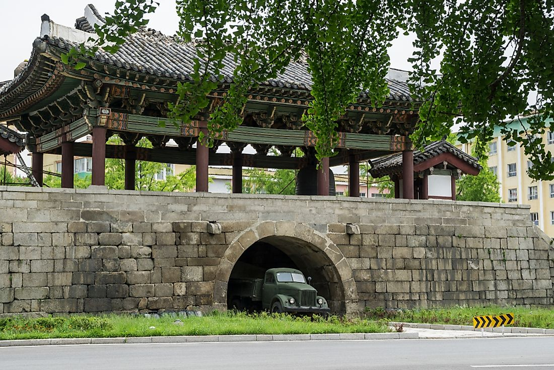 The old city gate in the center of Kaesong, DPRK. Editorial credit: Torsten Pursche / Shutterstock.com.