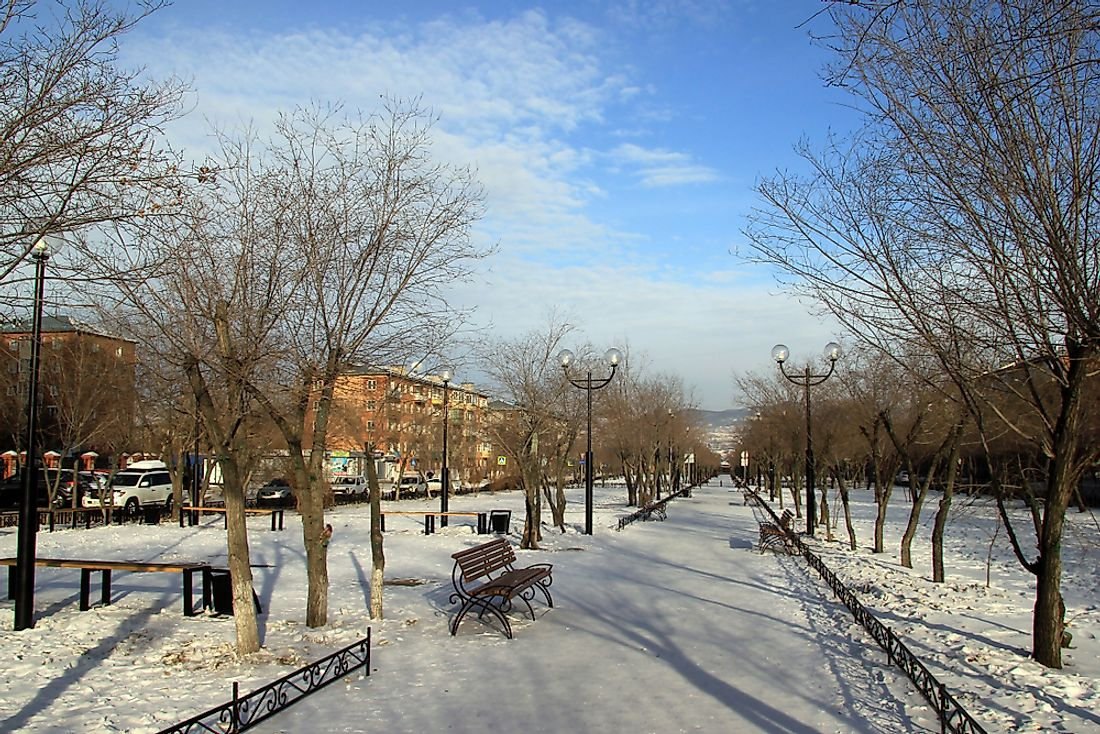 A street un Ulan-Ude in the winter.
