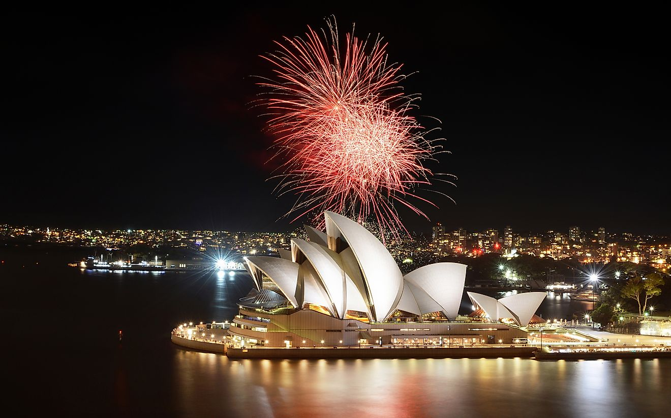 New Years fireworks in Sydney, Australia. David Carillet / Shutterstock.com.