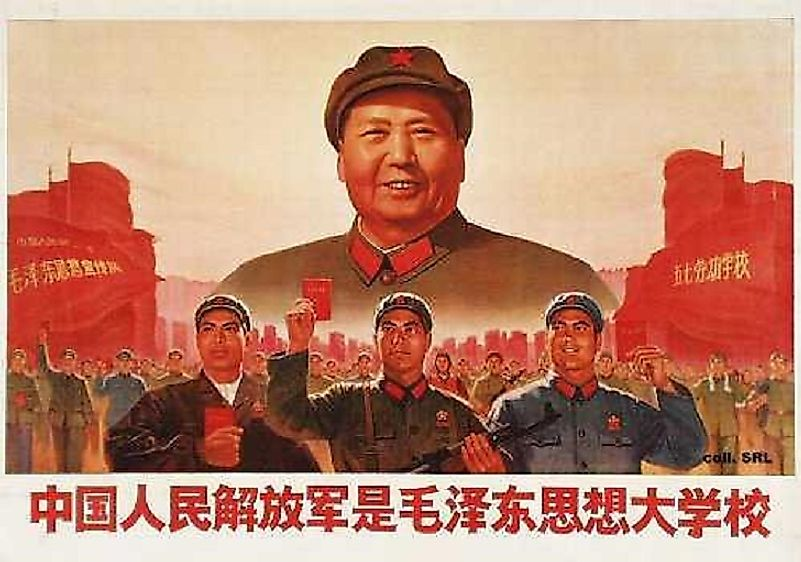 A poster depicting Mao and Chinese laborers and promoting the Cultural Revolution.