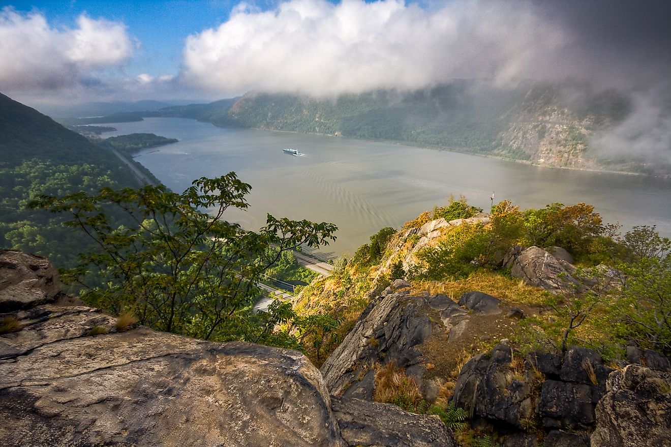 Breakneck Ridge is a popular scramble in the Hudson Highlands in New York. Image credit: Jeffrey Pang from Madison, NJ, USA/Wikimedia.org