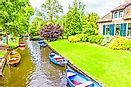 Did You Know That The Village Of Giethoorn, The Netherlands Has No Roads?