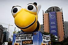EU Bans Bee-Harming Pesticides