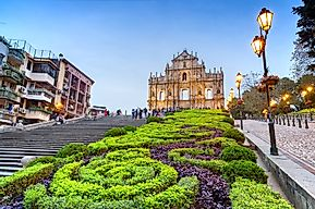 What Languages Are Spoken In Macao?