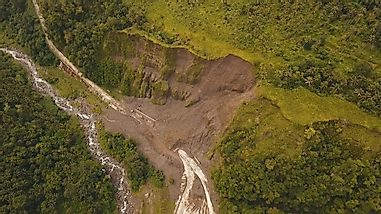 What Is The Difference Between A Landslide And An Avalanche?