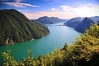 Which Countries Border Lake Lugano?