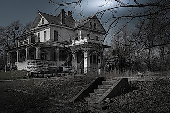 10 Horrifying Haunted Houses Around The World You Can Visit