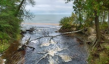 What Are The Primary Inflows And Outflows Of Lake Superior?