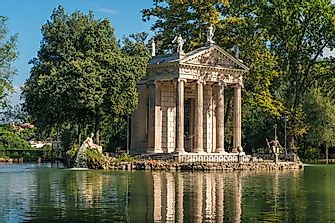 Architectural Buildings of the World: Villa Borghese Gardens
