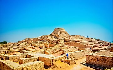 Where Are The Ancient Archeological Sites Of Mohenjo Daro And Harappa Located?