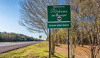 Which States Border Alabama?