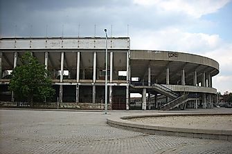 The World's Largest Defunct Stadiums