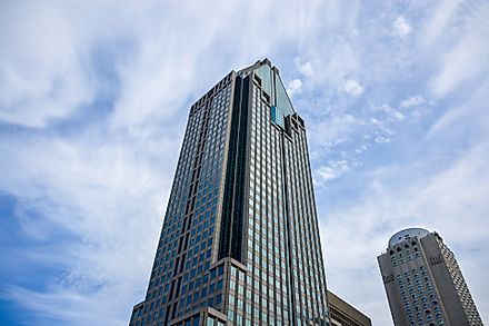 1000 de la Gauchetière is 673 feet tall and has 51 floors.