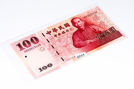 New Taiwan 100 dollar Banknote