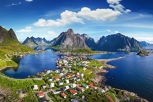 Norway map geography of norway map of norway worldatlas 10 breathtaking places in norway gumiabroncs Gallery