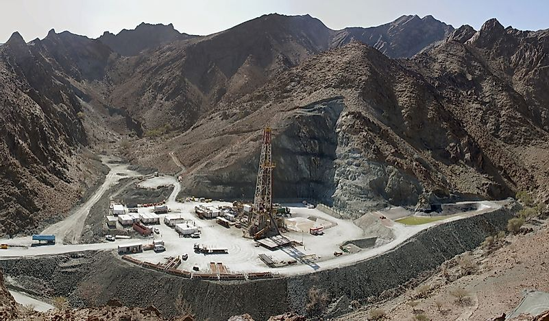 What Are The Biggest Industries In Oman? - WorldAtlas com