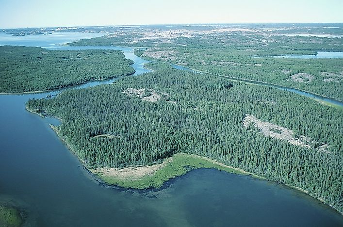 How Big Is Great Slave Lake?