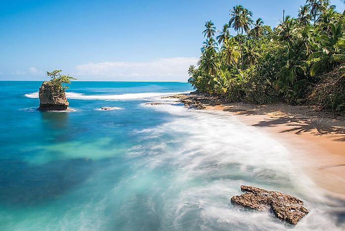 What Are The Major Natural Resources Of Costa Rica?
