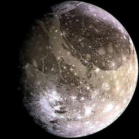 what are largest largest moons - photo #36