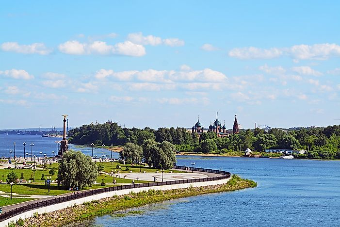 #8 It is home to the Volga, the longest river in all of Europe.