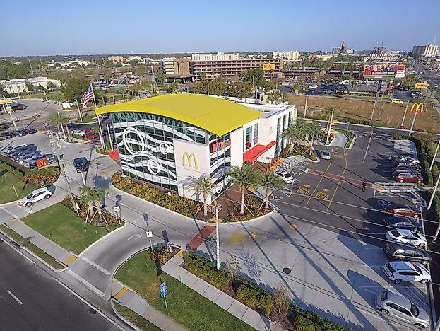 А вы знаете где находится самый большой в мире ресторан McDonald's?