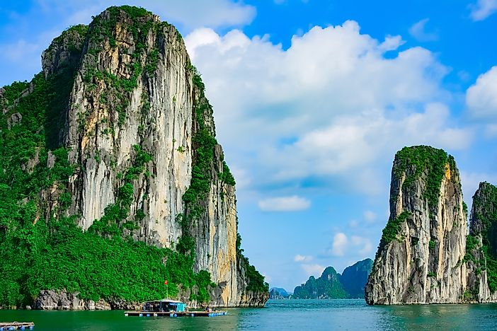 Ha Long Bay, Vietnam: Unique Places around the World