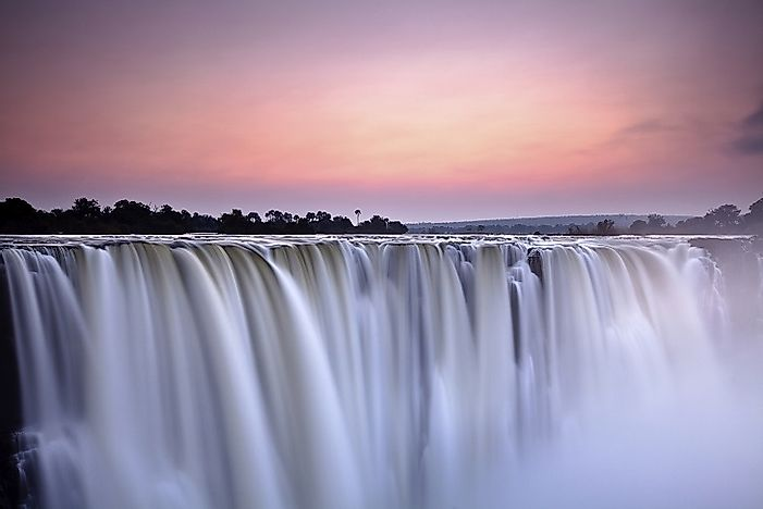 Where Are The Victoria Falls?