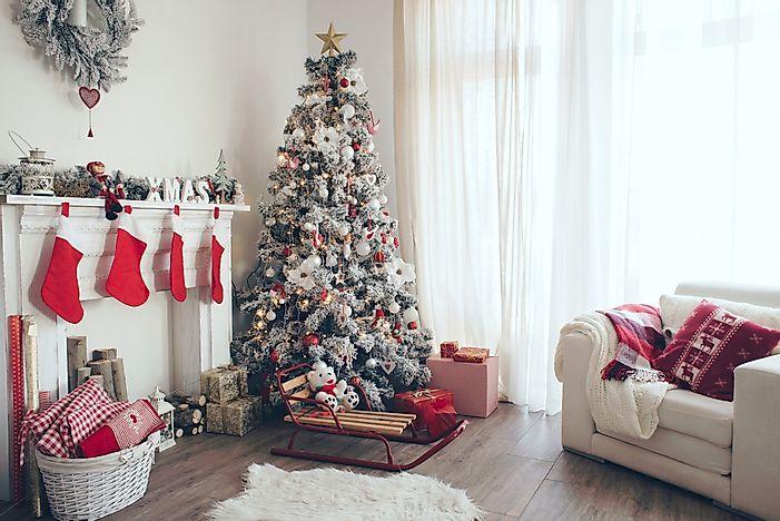 The Origin Of The Christmas Tree.6 Famous Christmas Symbols And Their Origins Worldatlas Com