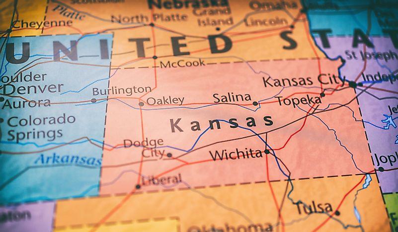 Which States Border Kansas? - WorldAtlas.com on kansas state capitol, map of kansas towns, kansas on map of usa, florida gulf coast map with towns, kansas map with highways, kansas road map online, north texas map with towns, kansas county map, kansas state outline, kansas state rivers,