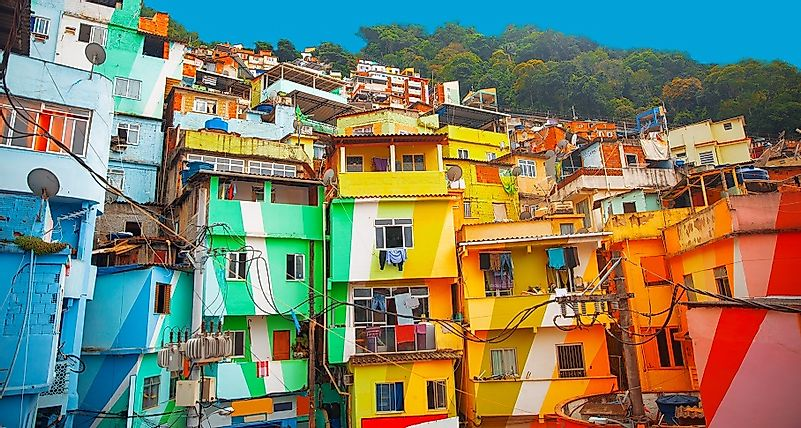 favelas in brazil Back in 2005, urhahn and koolhaas originally traveled to brazil to make a documentary on hip-hop, but ended up reinvigorating the architecture of favelas instead.