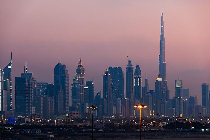 # 1 Burj Khalifa, Ηνωμένα Αραβικά Εμιράτα - 2717 Πόδια