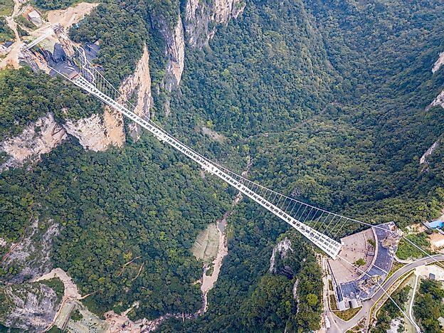Cầu đáy kính cao nhất thế giới ở đâu?