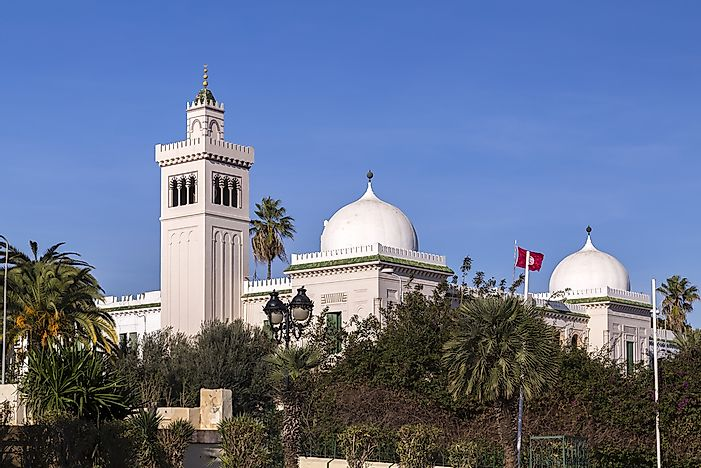 What Type Of Government Does Tunisia Have?