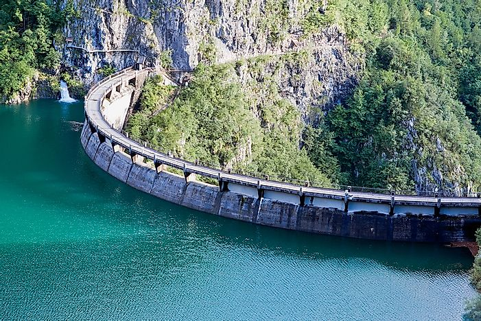 The 10 Tallest Dams in Italy