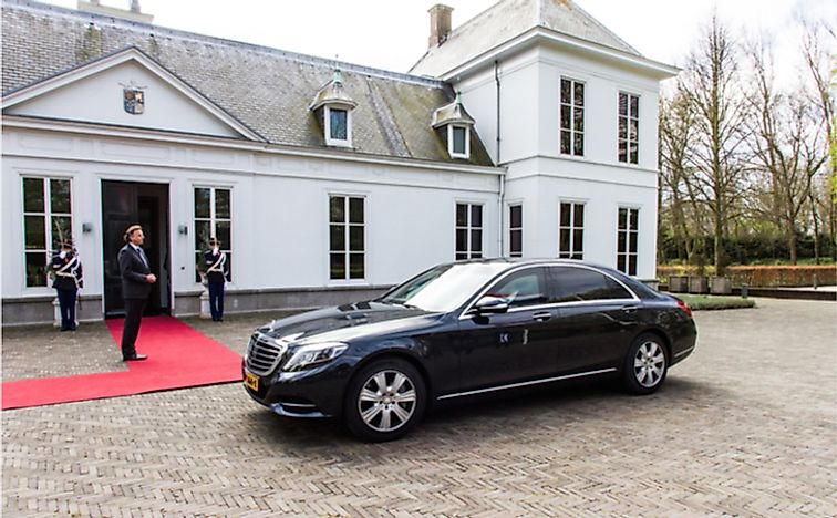 Where Does The Prime Minister Of The Netherlands Live?