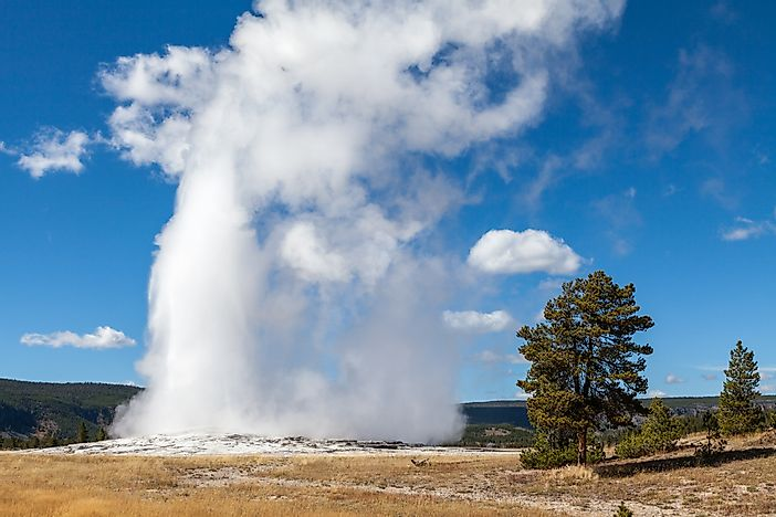 Yellowstone National Park: Unique Places around the World