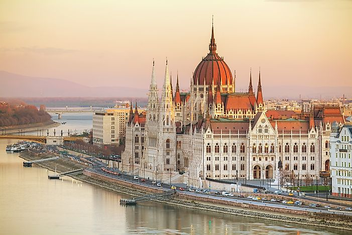 What Type Of Government Does Hungary Have?