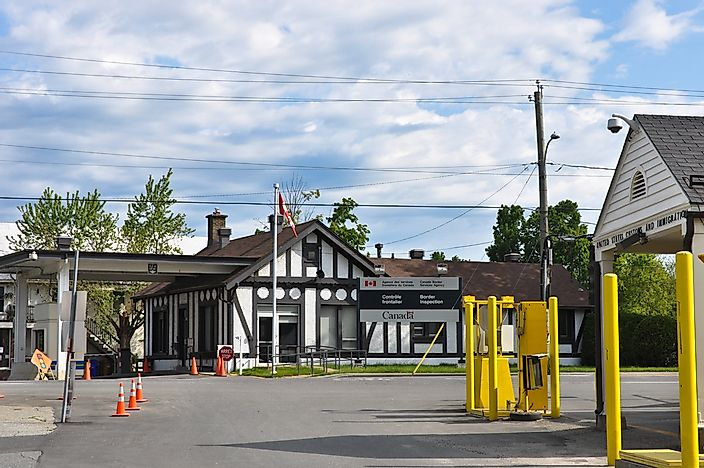 Border crossing connecting Beebee Plain, Vermont to Stanstead, Quebec.