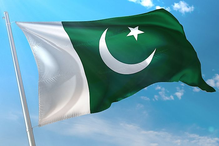 What Do The Colors And Symbols Of The Flag Of Pakistan Mean?