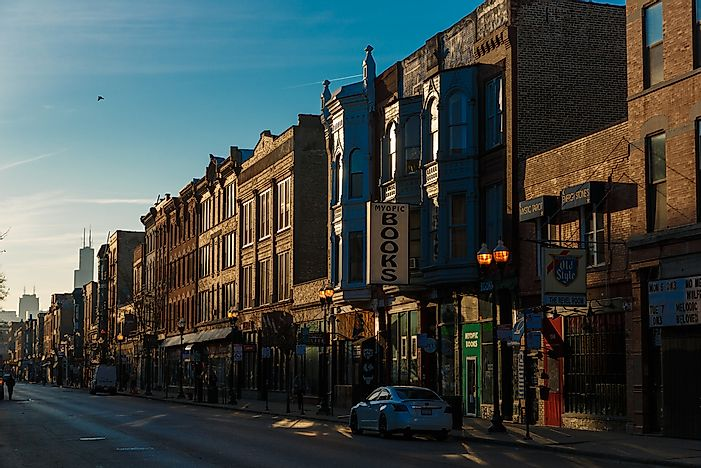 Editorial credit: John Gress Media Inc / Shutterstock.com. Early morning in Wicker Park, Chicago.