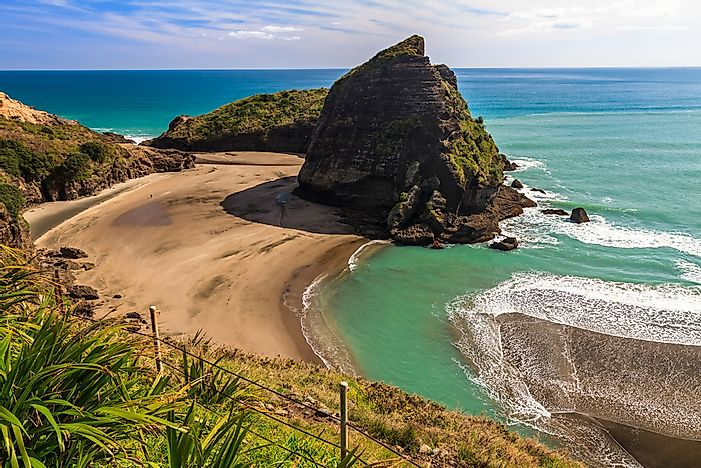 Piha Beach on North Island, Auckland, New Zealand.