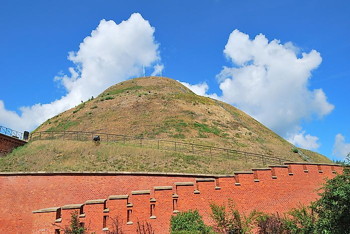 What Is A Mound in Geography?
