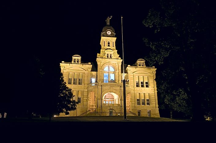 #10 Blue Earth County Courthouse - Mankato, Minnesota