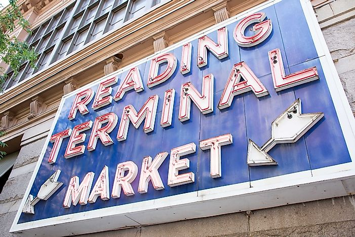 A sign welcoming visitors to the Reading Terminal Market.