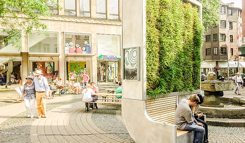 CityTree - Reducing Urban Air Pollution One Bench at a Time