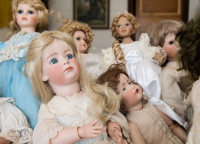 #7 Pediophobia (Fear of Dolls)