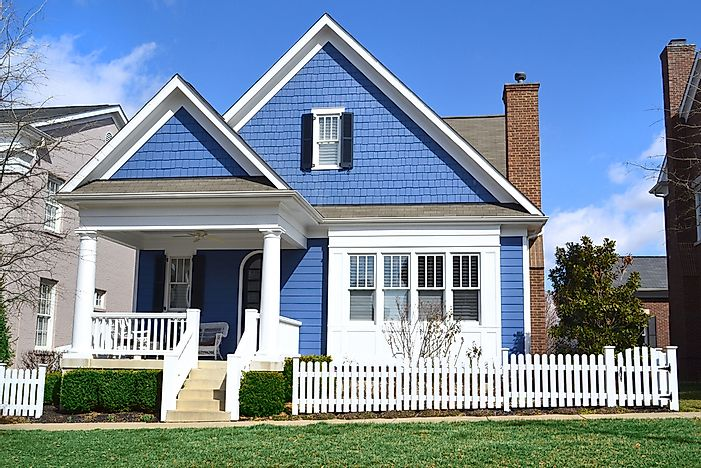The Most Por House Styles in the United States - WorldAtlas.com Gambrel Roof Homes Designs Html on gambrel roof home floor plans, gable roof home designs, gambrel roof framing designs, flat roof home designs,